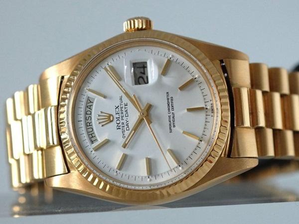 Bóc giá đồng hồ của các tỷ phú giàu nhất nhì thế giới - 2