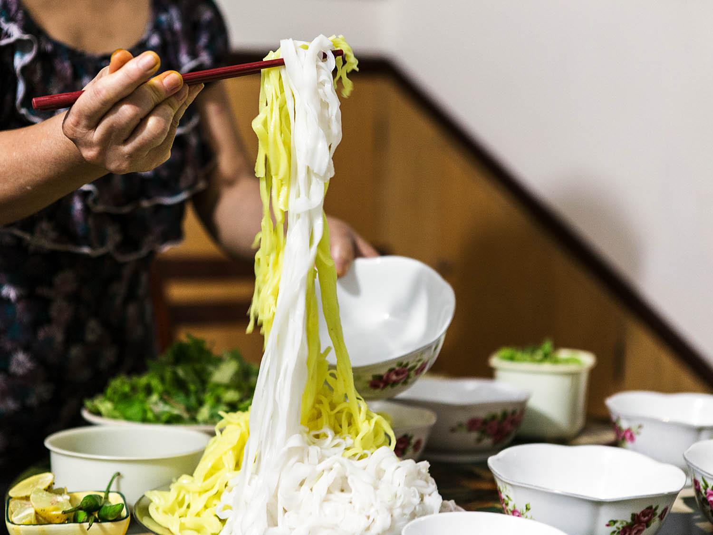 Cách làm mì Quảng ngon chuẩn vị miền Trung - 8