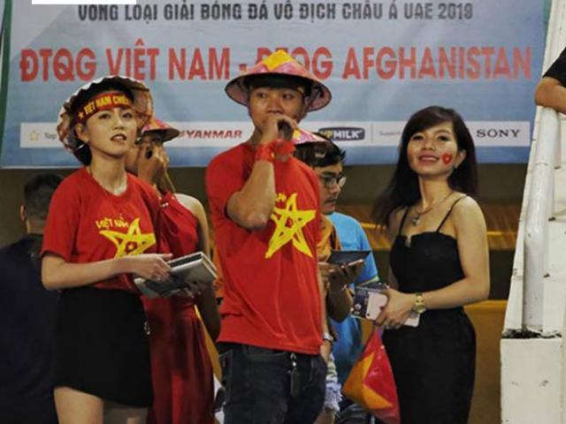 """Tuấn Mạnh hóa """"người nhện"""", ĐT Việt Nam hết nhớ Lâm """"Tây"""" 5"""