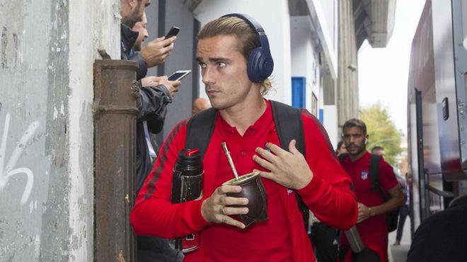 Barca chi 300 triệu euro: Đón Coutinho, cướp Griezmann khỏi MU - 2