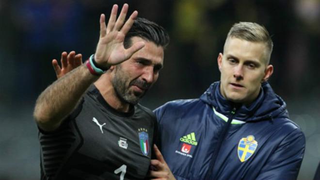 """Buffon lỡ World Cup: """"Trời phụ người tài"""", khốn khổ nhất 2017 - 1"""