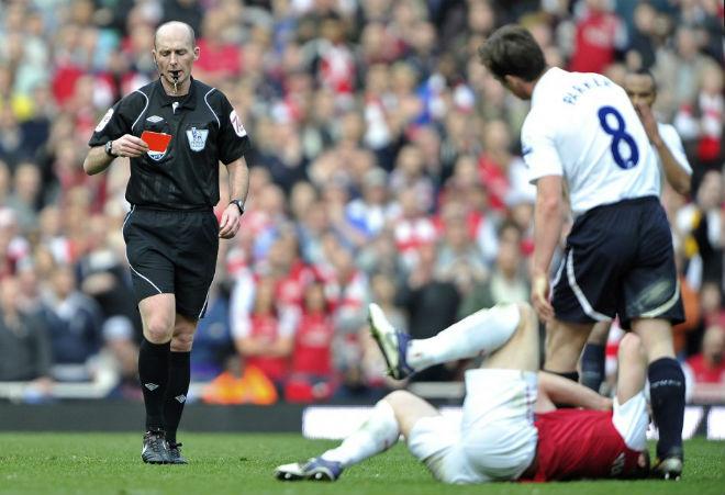 """Tin HOT bóng đá tối 14/11: """"Vua thẻ phạt"""" bắt trận Arsenal – Tottenham 1"""