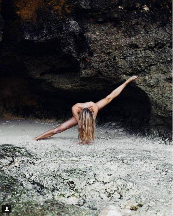 Yoga khỏa thân có gì mà hội chị em thi nhau tập? - 6