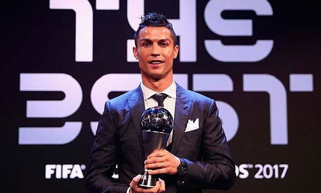 Real vắt chanh bỏ vỏ: Ronaldo giận dữ, về MU giải nghệ 2