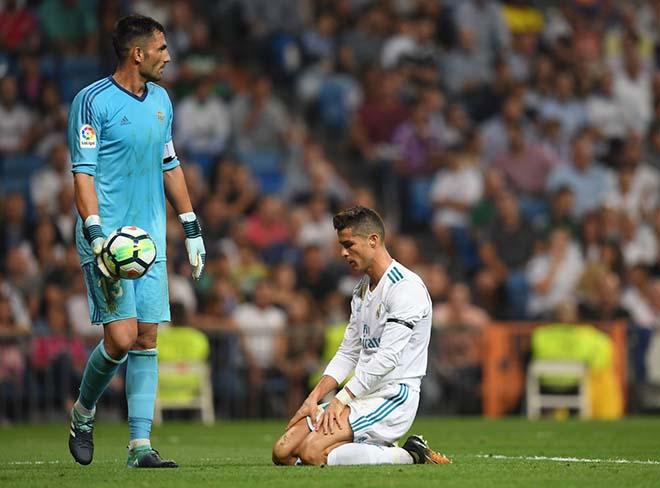 Real vắt chanh bỏ vỏ: Ronaldo giận dữ, về MU giải nghệ 1