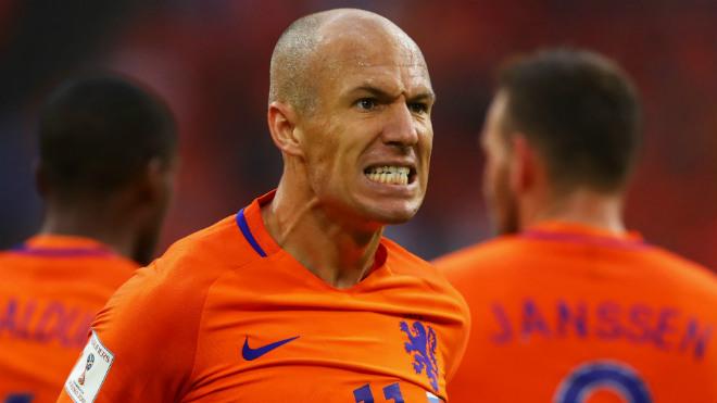 """""""Dàn tinh tú"""" xem World Cup qua TV: Buffon nối gót buồn Bale, Sanchez 9"""
