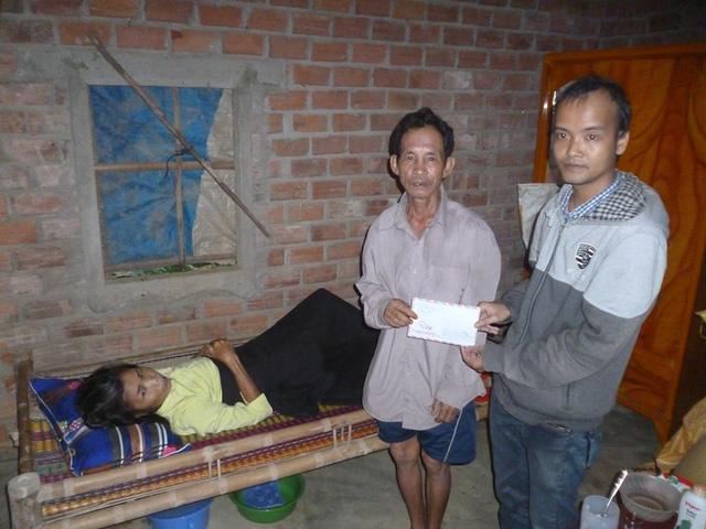 Nhà từ thiện bị lừa mất 49 triệu đồng tiền ủng hộ cho bà con vùng bão lũ - 1