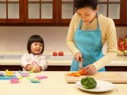 Phụ nữ nghỉ việc ở nhà để làm điều cao cả này, không phải để loanh quanh trong bếp