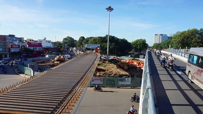 TP.HCM: Hình ảnh không ngờ tại cầu vượt thép trong ngày đầu thông xe - 12