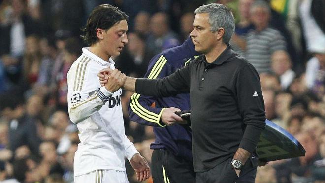 """Chuyển nhượng MU: Mourinho giữ """"báu vật"""" Tominay, quyết không nhả 3"""