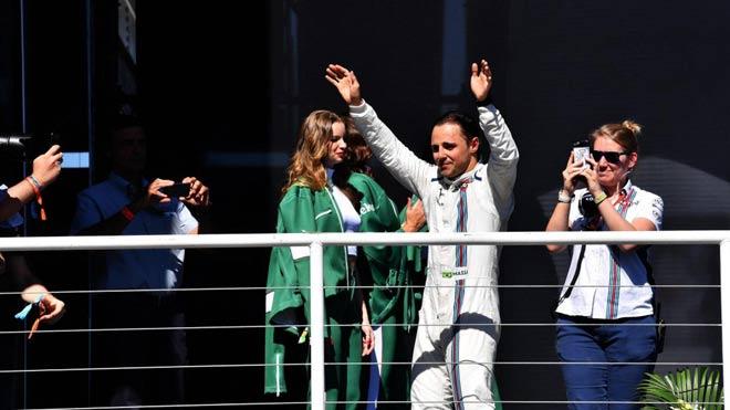 """Đua xe F1: """"Ngựa chiến"""" quần thảo, sắc đỏ bao trùm 4"""