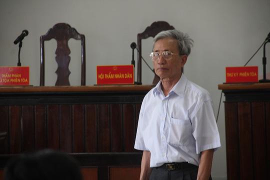 Dâm ô với trẻ em, Nguyễn Khắc Thủy lãnh án 3 năm tù giam
