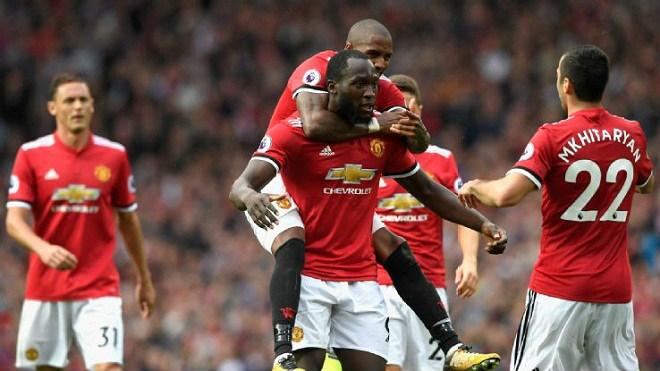 """Đua Ngoại hạng Anh: MU - Mourinho là """"Vua leo núi"""", Man City coi chừng 1"""