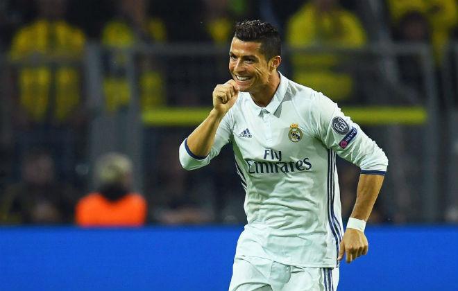 """Real đấu đá nội bộ: Ronaldo lật kèo, Zidane và Ramos dễ """"ra đường"""""""