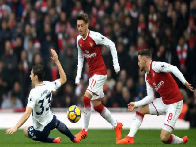 Tranh cãi: Arsenal xuyên thủng lưới Tottenham ở thế việt vị? 1
