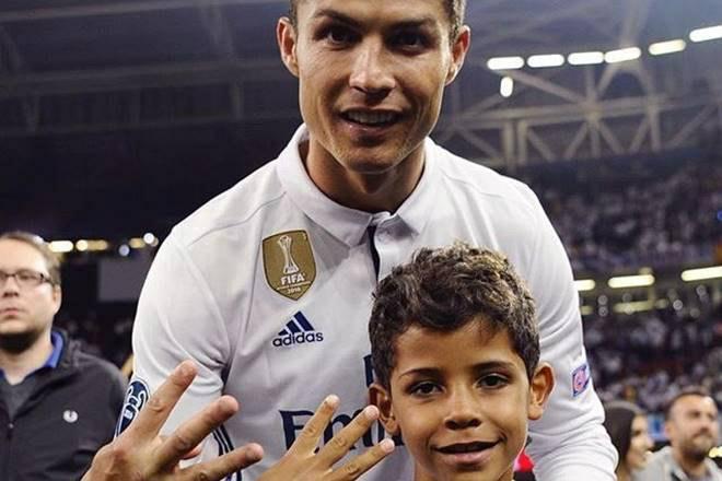 Tin HOT bóng đá tối 18/11: Con trai Ronaldo lập 2 hat-trick 1