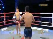 Phẫn nộ: Võ sỹ Trung Quốc đá trộm thắng sau 1 giây, bị chửi  cả đời
