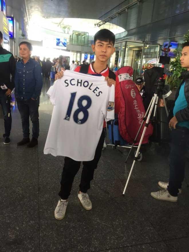 Giggs - Scholes đã đến Việt Nam: Fan MU vui như mở hội 11