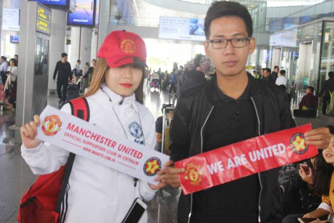 Giggs - Scholes đã đến Việt Nam: Fan MU vui như mở hội 12