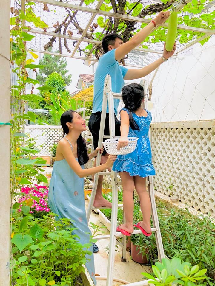 Thuỷ Tiên, Công Vinh khoe con gái 4 tuổi lớn phổng phao