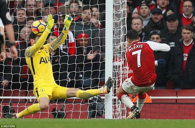 """Góc chiến thuật Arsenal - Tottenham: Sanchez """"át"""" Kane, Wenger """"cáo già"""" 3"""