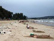 Nóng trong tuần: Bão số 14 đổ bộ đất liền, người dân vẫn đổ xô đi tắm biển