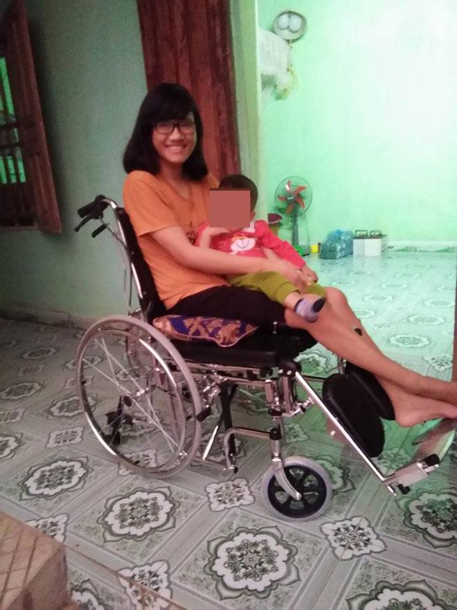 Thầy giáo xứ Thanh bất chấp tất cả để cưới cô gái bị liệt hai chân - 3