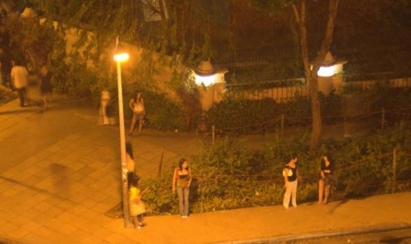 Đằng sau thế giới mại dâm hợp pháp ở Singapore - 1