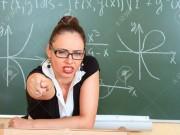 """Cô giáo  """" vã mồ hôi hột """"  (Nhật ký phiêu lưu ký - P49)"""