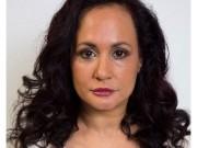 Người phụ nữ 40 năm không dám cười để giữ khuôn mặt trẻ trung