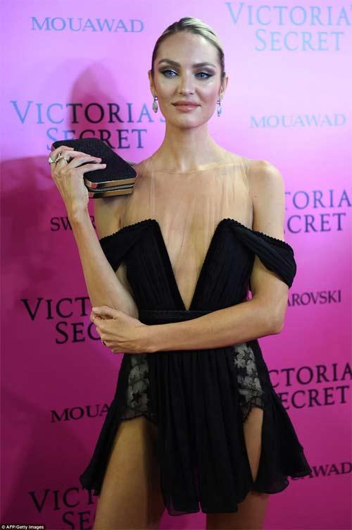 Hot girl Hollywood tái diễn lại sự cố váy xẻ hiểm tại thảm hồng - 10