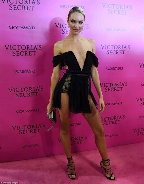 Hot girl Hollywood tái diễn lại sự cố váy xẻ hiểm tại thảm hồng - 9
