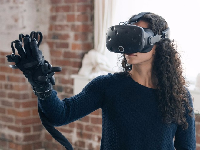 Điều kỳ diệu đến từ găng tay thực tế ảo thực tế nhất thế giới
