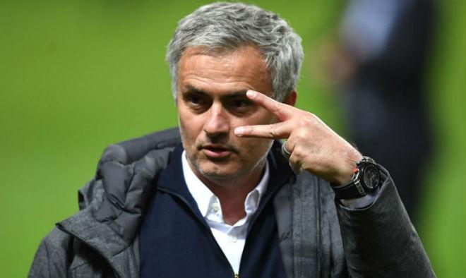Chuyển nhượng MU: Mourinho nhận lương 11 tỷ đồng/tuần, ngang Ronaldo 1