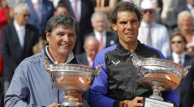"""Chính thức chia tay Nadal, chú Toni thừa nhận """"thơm lây"""" từ cháu 1"""