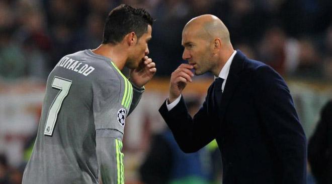 Real Madrid biến căng: Ronaldo cãi tay đôi Zidane, chán nản đòi ra đi - 1