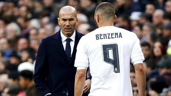 Tin HOT bóng đá tối 21/11: Zidane thất vọng với Benzema, dọa tống lên ghế dự bị 1