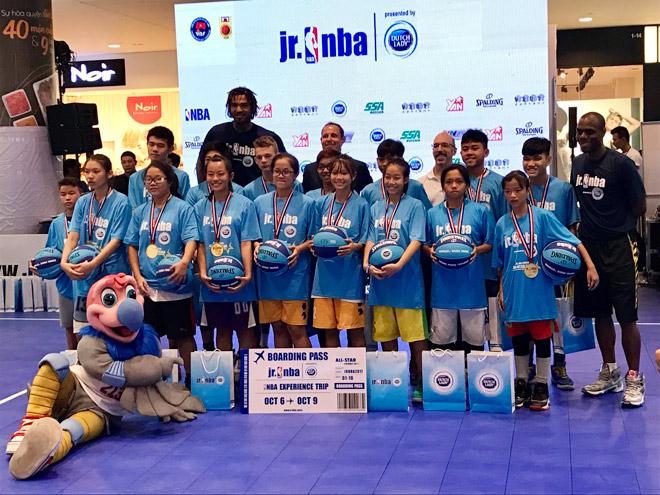 Vượt qua 5000 thí sinh, 16 tài năng nhí tiếp cận bóng rổ thế giới 3