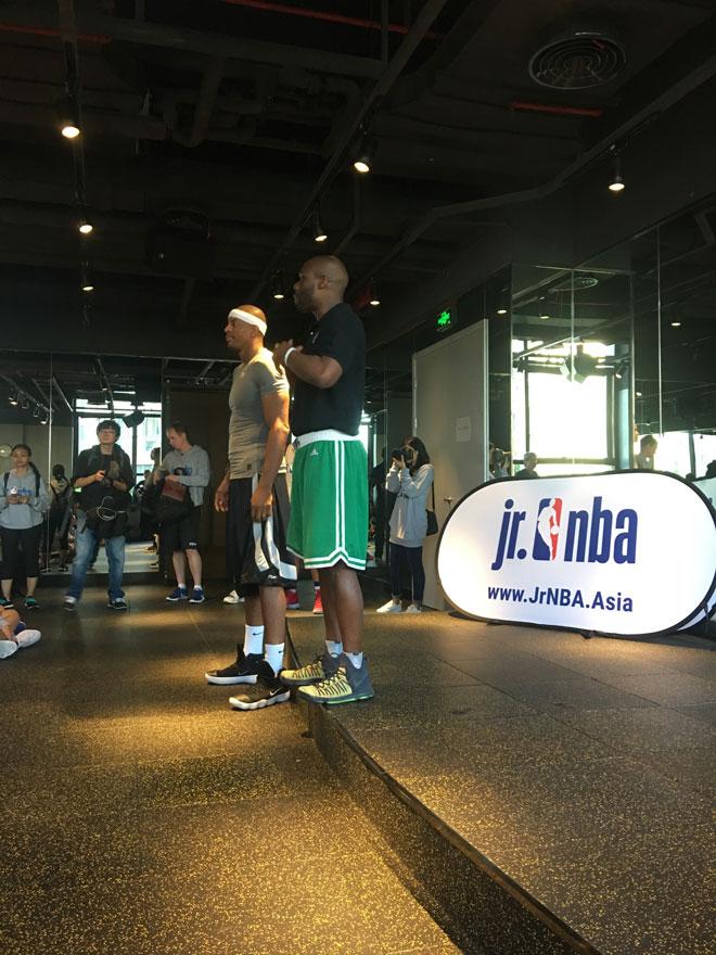 Vượt qua 5000 thí sinh, 16 tài năng nhí tiếp cận bóng rổ thế giới 7