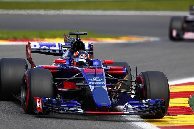 """Đua xe F1: """"Ngựa ô"""" liều mình với 2 nhân tố mới 3"""