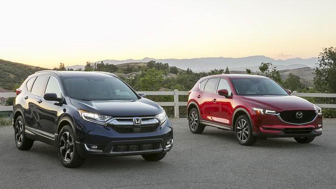 Honda CR-V 2017 & Mazda CX-5 2017: Xe nào tốt hơn?