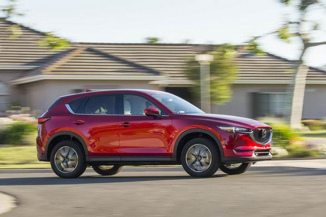 Honda CR-V 2017 & Mazda CX-5 2017: Xe nào tốt hơn? - 10