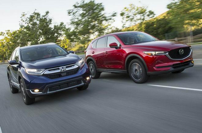 Honda CR-V 2017 & Mazda CX-5 2017: Xe nào tốt hơn? - 3