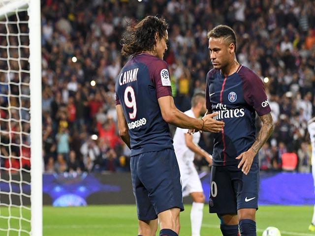 """Ronaldo bí mật đàm phán PSG: Neymar nổi điên, tung chiêu """"kỳ đà cản mũi"""" 4"""