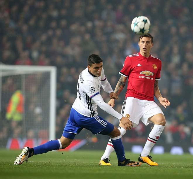 """Basel - MU: Mourinho cất Pogba - Ibrahimovic, """"Quỷ"""" lại xấu xí? 2"""