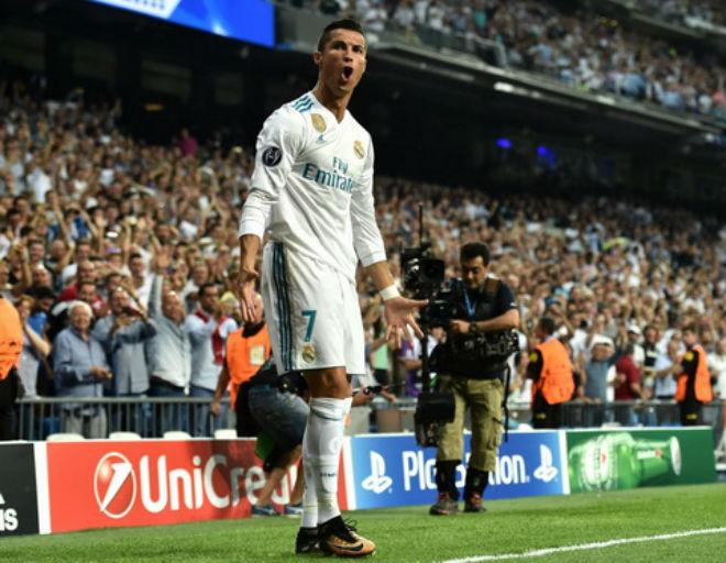 """Ronaldo bùng nổ lập kỷ lục: Bịt miệng đối thủ, toan tính """"cáo già"""" tuổi 32 - 2"""