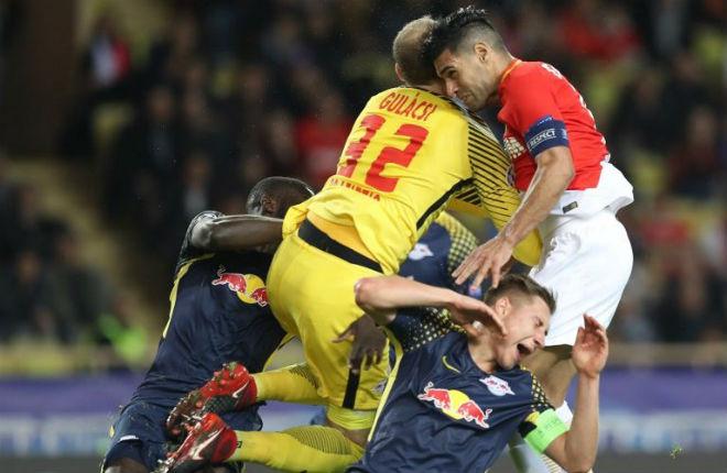 """Tuyệt tác cúp C1: Ronaldo – Benzema """"giải hạn"""", Liverpool bị rượt đuổi điên rồ 15"""