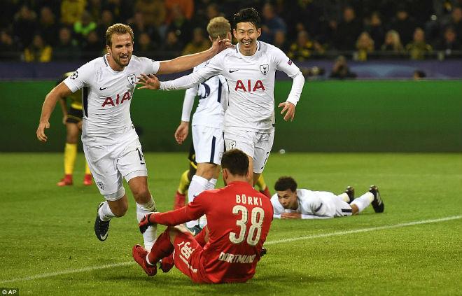 """Tuyệt tác cúp C1: Ronaldo – Benzema """"giải hạn"""", Liverpool bị rượt đuổi điên rồ 6"""