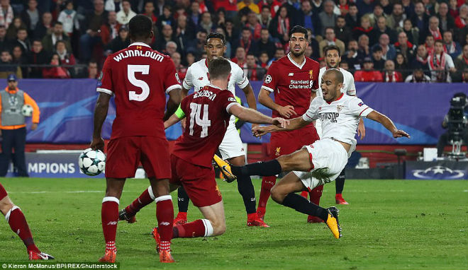 """Tuyệt tác cúp C1: Ronaldo – Benzema """"giải hạn"""", Liverpool bị rượt đuổi điên rồ 12"""