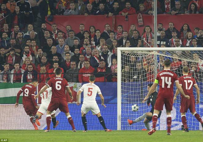 """Tuyệt tác cúp C1: Ronaldo – Benzema """"giải hạn"""", Liverpool bị rượt đuổi điên rồ 7"""
